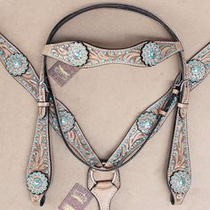 western home decor Wohnkulturhomedecor Western Leather Horse Headstall Bridle Breast Collar Tan Turquoise Concho Equestrian Boots, Equestrian Outfits, Equestrian Style, Equestrian Fashion, Horse Fashion, Equestrian Problems, Cowgirl Outfits, Headstalls For Horses, Western Horse Tack