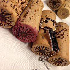 #cheers les #vins du #liban! from @Le Vin Parfait #planeteliege --- Bouchons en Liège pour un vin du #liban #planeteliege #cheers #instagram #instapic #instamoment #loveit