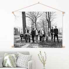 Textielposter | Dé interieurtrend van dit jaar ☆ Geprint op katoen van hoge kwaliteit ☆ Haal de herinnering aan je schooltijd weer in huis! ☆ FotoCadeau.nl Family Pictures, Sweet Home, New Homes, Tapestry, Canvas, Diy, House, Home Decor, Pictures