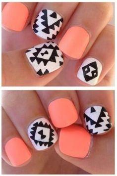 Des ongles aztèques et néons !