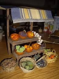 Resultado de imagen para BELENES+FRUTAS Y VEGETALES Fontanini Nativity, Market Stands, Ceramic Houses, Flower Stands, Christmas Nativity, Whole Foods Market, Miniture Things, Christmas And New Year, Paper Mache