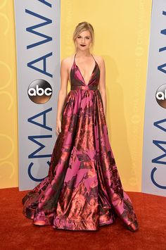 Kelsea Ballerini attends the 50th annual CMA Awards at the Bridgestone Arena on November 2, 2016 in Nashville, Tennessee.