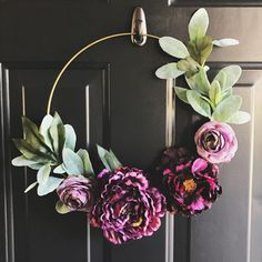 Idea from Making Joy and Pretty Things Chinese New Year Decorations, New Years Decorations, Cute Crafts, Easy Crafts, Arts And Crafts, Valentine Wreath, Diy Door, Front Door Decor, Crafty Craft