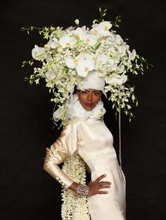 A stunning collection of Floral Hats & Headdresses by fashion designers in conjunction with floral designers that blow away most Easter bonnets. Flower Hats, Flower Crown, Deco Floral, Floral Design, Art Beauté, Floral Headdress, Wedding Headdress, Bridal Hat, Floral Fashion