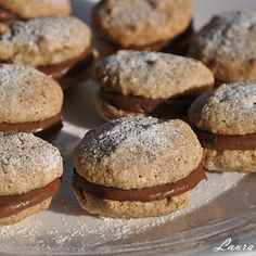 Walnut macaroons with chocolate filling - Alcazale - sava laura Chocolate Filling, Macaroons, Crackers, Hamburger, Muffin, Bread, Cookies, Breakfast, Desserts