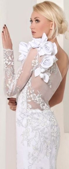 The planning of your wedding dress will be a very big decision. Perhaps you would want to have a custom wedding dress made for you. Gather your notes on the styles that interest you and dream about the perfect wedding dress. Beautiful Wedding Gowns, Beautiful Dresses, Dream Wedding, Lace Wedding, Wedding Story, Wedding Bride, Perfect Wedding, Bridal Dresses, Flower Girl Dresses