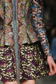 See the complete Mary Katrantzou Fall 2017 Ready-to-Wear collection.