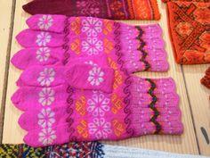 Old Muhu gloves (Estonian knitting tradition)