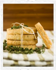 Ina 's Parmesan Thyme Crackers www.tablescapesbydesign.com https://www.facebook.com/pages/Tablescapes-By-Design/129811416695