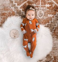 "Bebe au Lait on Instagram: ""The only thing sweeter than the pumpkin pie this time of year is your cutie in fall's signature color! 🍂 . . 📸@homewithharper . .…"" Cute Baby Pictures, Baby Photos, Future Mom, Adorable Babies, One Year Old, Little Fashion, Baby Rooms, Cute Baby Clothes, Korean Outfits"