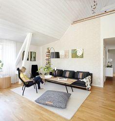 Výsledok vyhľadávania obrázkov pre dopyt red sofa in scandinavian style