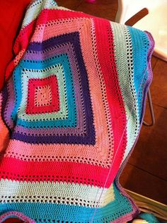 First love blanket, free pattern by Coats and Clark. Love the bright colours used by tanyalizbeth.