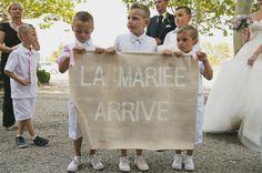 ©Ernestine et sa famille – Un mariage retro pres d Arles – La mariee aux pieds nus