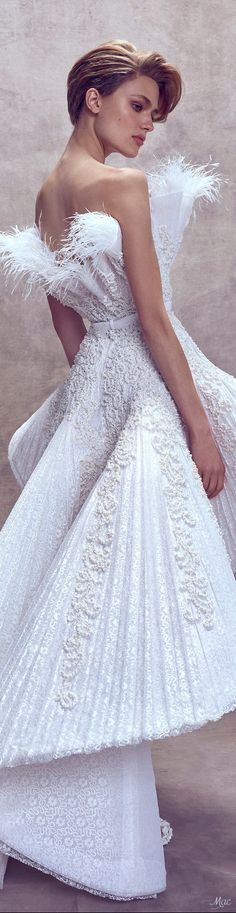 Ashi Studio Fall Winter 2017 Haute Couture Collection - Share The Looks Couture Fashion, Fashion Show, Fashion Design, Trendy Fashion, Couture Wedding Gowns, Wedding Dresses, Beautiful Dresses, Nice Dresses, Ashi Studio