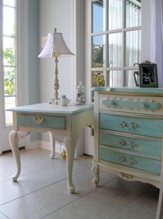 Beautiful blue & white furniture redo.