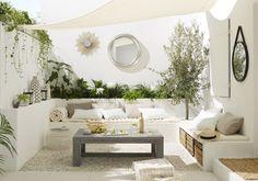 Inspiring Family Room Design Ideas In The Backyard Area 24 Home Garden Design, Home And Garden, Ibiza Stil, Small Terrace, Small Patio, Outdoor Living Rooms, Living Spaces, Ibiza Fashion, House With Porch