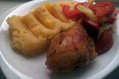 Pulpe de pui la cuptor si cartofi piure cu sos de ceapa Baked Potato, Potatoes, Baking, Ethnic Recipes, Food, Recipes, Potato, Bakken, Essen