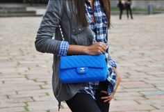 la modella mafia Model Off Duty Street Style - pop of color Neon Blue Chanel 7