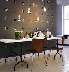 interior decoration: mirror wall