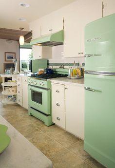 Retro Kitchen Design Ideas, Pictures, Remodel and Decor