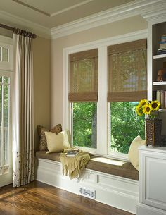 Bay window ideas will help you to enjoy the area around your bay window curtains and bay window treatments. Find the best bay window for 2018 and transform your bay window seat space! Window Benches, Window Seats, Window Curtains, Beige Curtains, Window Ledge, Sweet Home, Built Ins, My Dream Home, Home And Living