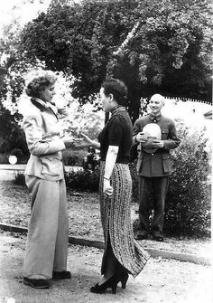 General Chiang Kai-Shek and Madame Chiang welcome Clare Boothe Luce - April 1942