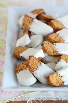 Toasted Coconut-Almond Biscotti - gluten free and naturally-sweetened! Uses coconut flour and coconut oil.