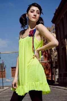 vestido fluor by makinitadecoser, via Flickr