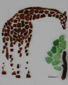Giraffe feeding on bush created from authentic beach glass Giraffe & Tree Beach Glass Art Brown & Green Sea Glass, Driftwood Authentic Narragansett Rhode Island Sea Glass Crafts, Sea Glass Art, Seashell Crafts, Stained Glass Art, Mosaic Glass, Sea Glass Beach, Mosaic Mirrors, Mosaic Art, Fused Glass