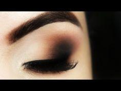 Assista esta dica sobre Olho Esfumado Sem Marcação - Christmas Makeup Tutorial e muitas outras dicas de maquiagem no nosso vlog Dicas de Maquiagem.
