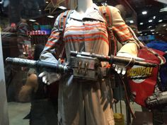 New Ghostbusters costume, pack, along with Holtzmann's weapons and the ghost trap on display at San Diego comic con! I took photos for anyone who wants to cosplay and needs refs of these! Ghostbusters Proton Pack, Ghostbusters Costume, Ghostbusters 2016, Halloween Themes, Halloween Costumes, Kate Mckinnon, Yard Haunt, San Diego Comic Con, Trick Or Treat