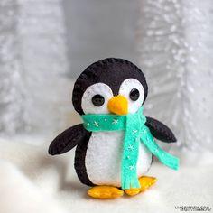 Resultado de imagen para pinguinos navideños en fieltro