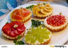 Ovocné a čokoládové mini koláčky recept - TopRecepty.cz Mini Tart, Cupcakes, Macaron, Coffee Break, Bruschetta, Food Photo, Cookies, Tea Time, Creme