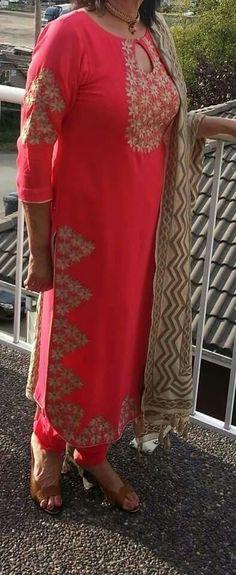 #Stylishsalwarsuit #Salwarsuitdesign #LatestSalwarsuitpatterns #StylishSalwarsuitonline Maharani Designer Boutique To buy it click on this link : http://maharanidesigner.com/Anarkali-Dresses-Online/salwar-suits-online/ Rs-5800. Hand work Fine quality fabric. For any more information contact on WhatsApp or call 8699101094 Website www.maharanidesigner.com Maharani Designer Boutique's photo.