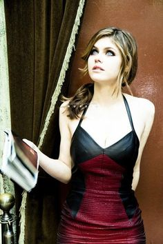 Alexandra Daddario - Glamour US July 2013 Outtakes by Ellen Von Unwerth Beautiful Celebrities, Beautiful Actresses, Most Beautiful Women, Beautiful Eyes, Hollywood Celebrities, Hollywood Actresses, Alexandra Anna Daddario, Alexandra Daddario Baywatch, Woman Crush