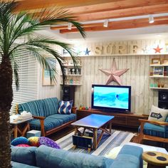 23 Clever DIY Christmas Decoration Ideas By Crafty Panda Interior Exterior, Room Interior, Interior Design Living Room, Diy Room Decor, Bedroom Decor, Home Decor, Surf Room, Bungalow Decor, Surf Decor