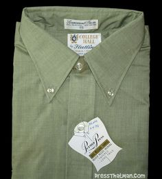 1960's mens vintage UNWORN retro shirt.