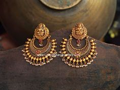 Antique gold chand bali earrings, ram leela gold earrings, Lakshmi design chand bali earrings in 22 karat gold with round gold balls and small pearl drops. Indian Jewelry Earrings, Jewelry Design Earrings, Gold Earrings Designs, Gold Jewellery Design, Antique Earrings, Temple Jewellery, Chand Bali Earrings Gold, Gold Jewelry, Earings Gold