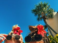 Flowers in my hair Glasses for the glare But I don't care. It's summer somewhere And I don't care. Best Friend Pictures, Bff Pictures, Beach Pictures, Cute Photos, Tumblr Summer Pictures, Beach Pics, Vacation Pictures, Beach Babe, Beautiful Pictures