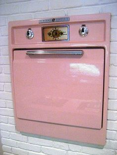 Wish i could find a vintage wall oven like this in a different color!!!!