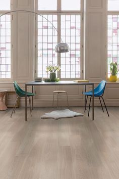 Quick-Step Parquet - Palazzo & Frosted Oak& in a dining room sty . Dining Room Floor, Dining Room Inspiration, Room Types, Engineered Wood Floors, House Flooring, Living Room Grey, Trendy Dining Room, Dining, Grey Engineered Wood Flooring