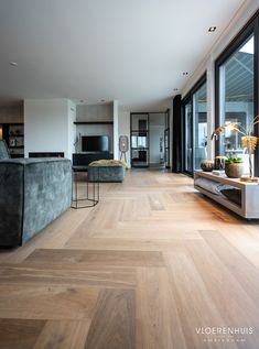 Home Living Room, Living Room Designs, Diy Interior, Interior Design, Wood Floor Design, Kitchen Pantry Design, Modern Flooring, House Rooms, New Homes