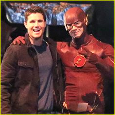 Grant Gustin & Robbie Amell: The Flash & Firestorm Are Best Friends Forever