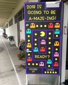 66 Trendy January Door Decorations Classroom New Years Arts And Crafts For Adults, Easy Arts And Crafts, Arts And Crafts House, Classroom Welcome Boards, Classroom Bulletin Boards, January Bulletin Board Ideas, Classroom Door Displays, Classroom Ideas, Pac Man