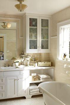 Classically chic bathroom via Style Me Pretty! #laylagrayce #bathroom