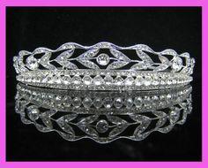 Bridal crystal veil tiara