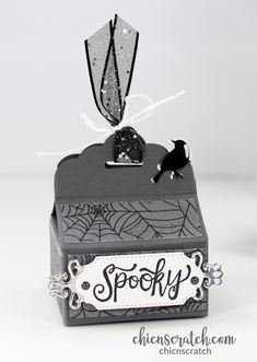 12 Weeks of Halloween 2019 Week 6 with Chic n Scratch, Stampin' Up! Demonstrator Angie Juda This Spooky Halloween Box is the project for the 12 Weeks Halloween Treat Holders, Diy Halloween Food, Halloween Projects, Diy Halloween Decorations, Halloween 2019, Halloween Cards, Spooky Halloween, 3d Projects, Halloween Stuff