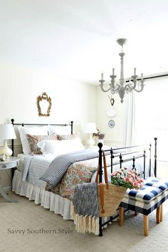Savvy Southern Style: Navy and Pink Guest Bedroom for Spring PB duvet & shams, Target stools, Hobby Lobby faux flowers Country Style Homes, French Country Style, Country Farmhouse Decor, French Country Decorating, Country Kitchen, Modern Bedroom, Bedroom Decor, Bedroom Romantic, Bedroom Table