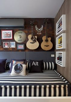 """Teenage Room Ideas - Decorations for """"Cool"""" Teens, Young people are often very satisfied. The Have You may already be self-standing when you redesign and decorate the youth room. At this difficult age,. Dream Bedroom, Home Bedroom, Teen Music Bedroom, Bedroom Couch, Bedroom Boys, Sofa Beds, Bedroom Themes, Bedroom Decor, Bedroom Ideas"""