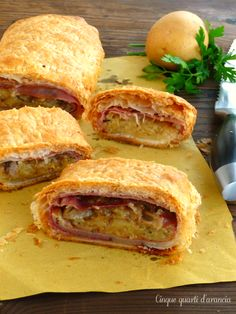 Strudel patate speck e funghi Finger Food Appetizers, Appetizers For Party, Finger Foods, Appetizer Recipes, Strudel, No Salt Recipes, Cooking Recipes, Empanadas, Quiches